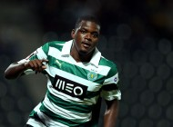 epa04155969 Sporting's William Carvalho celebrates after scoring against PaÁos de Ferreira during the Portuguese First League soccer match at Mata Real stadium, in PaÁos de Ferreira, Portugal, 05 April 2014.  EPA/ESTELA SILVA
