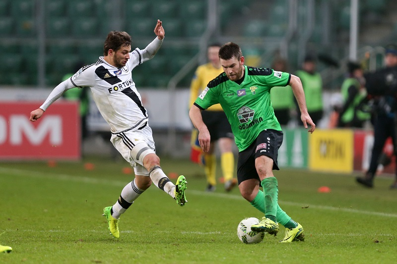WARSZAWA 18.12.2016 MECZ 20. KOLEJKA LOTTO EKSTRAKLASA SEZON 2016/17 --- POLISH FOOTBALL TOP LEAGUE MATCH IN WARSAW: LEGIA WARSZAWA - GORNIK LECZNA 5:0 BARTOSZ BERESZYNSKI GRZEGORZ PIESIO FOT. PIOTR KUCZA/ 400mm.pl