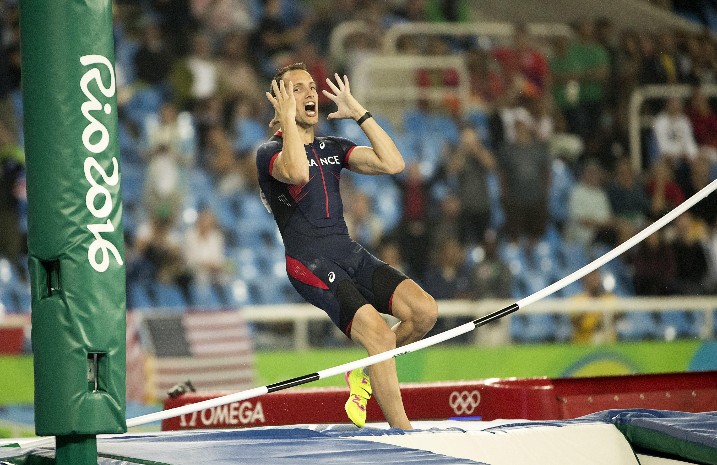 August 15, 2016 - Rio de Janeiro, RJ, Brazil - OLYMPICS ATHLETICS: Renaud Lavillenie (FRA) reacts after he misses 6.03 meters in the Men's pole vault final at Olympic Stadium (Engenhão) during the 2016 Rio Summer Olympics games. (Credit Image: © Paul Kitagaki Jr. via ZUMA Wire) FOT. ZUMAPRESS.com / NEWSPIX.PL POLAND ONLY !!! --- Newspix.pl *** Local Caption *** www.newspix.pl mail us: info@newspix.pl call us: 0048 022 23 22 222 --- Polish Picture Agency by Ringier Axel Springer Poland