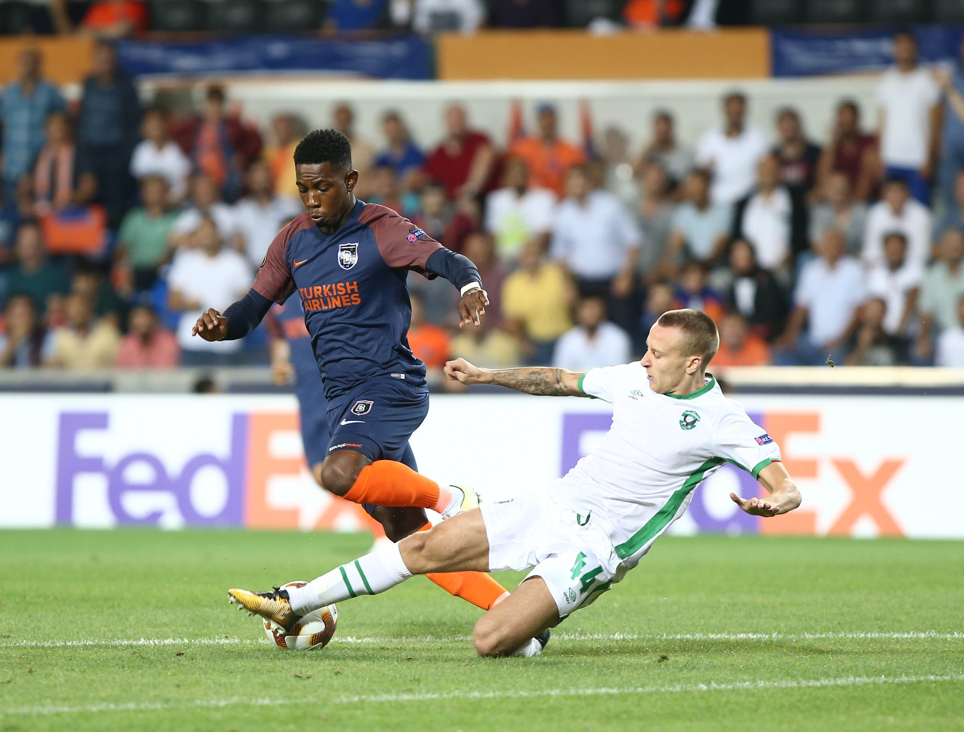 Eljero Elia of Basaksehir and Jacek Goralski of Ludogorets during the UEFA Europa League Group c match between Medipol Basaksehir and Ludogorets Razgrad at Fatih Terim Stadium in Istanbul , Turkey on September 14 , 2017. FOT. Seskimphoto / NEWSPIX.PL TURKEY, GERMANY, AUSTRIA AND UK OUT !!! --- Newspix.pl *** Local Caption *** www.newspix.pl mail us: info@newspix.pl call us: 0048 022 23 22 222 --- Polish Picture Agency by Ringier Axel Springer Poland