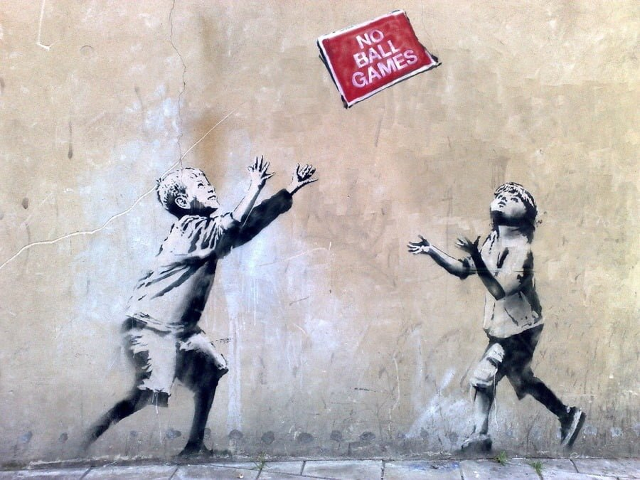 No-ball-games-grfit-Banksy_963513776_22723354_900x675