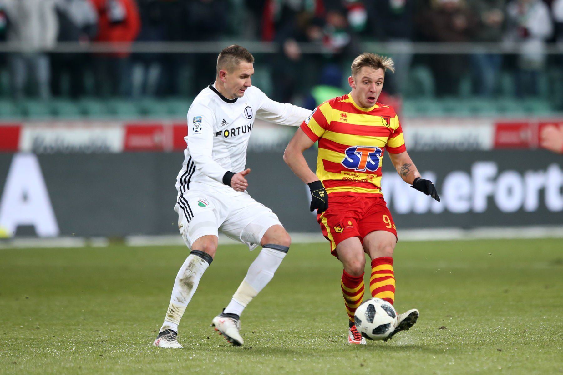 WARSZAWA 27.02.2018 MECZ 25. KOLEJKA LOTTO EKSTRAKLASA SEZON 2017/18 --- POLISH FOOTBALL TOP LEAGUE MATCH IN WARSAW: LEGIA WARSZAWA - JAGIELLONIA BIALYSTOK 0:2 ARTUR JEDRZEJCZYK ARVYDAS NOVIKOVAS FOT. PIOTR KUCZA/ 400mm.pl