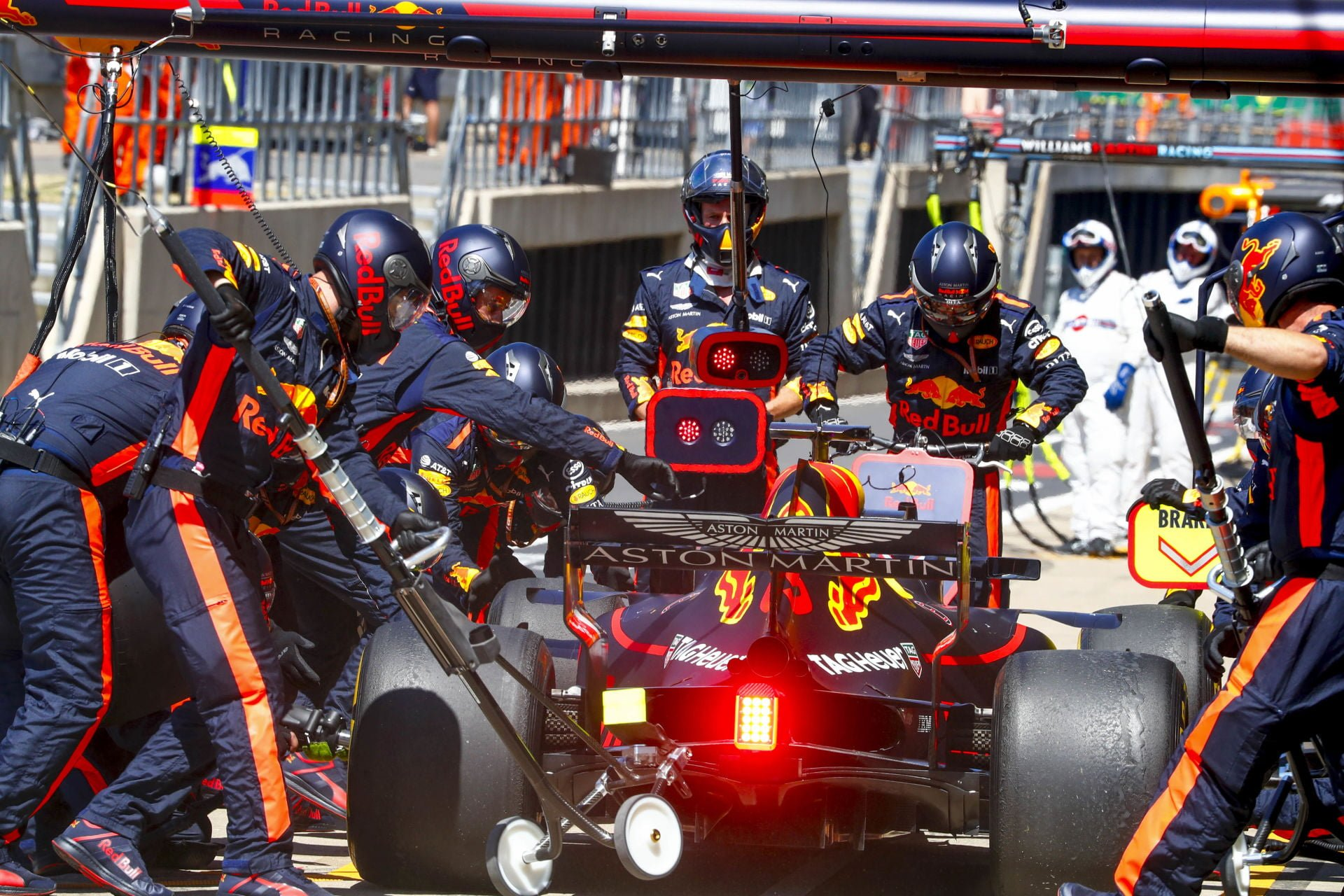 July 8, 2018 - Silverstone, Great Britain - Motorsports: FIA Formula One World Championship 2018, Grand Prix of Great Britain, .#3 Daniel Ricciardo (AUS, Aston Martin Red Bull Racing) (Credit Image: © Hoch Zwei via ZUMA Wire) FORMULA 1 GRAND PRIX WIELKIEJ BRYTANII FOT.ZUMA/NEWSPIX.PL POLAND ONLY!!! --- Newspix.pl *** Local Caption *** www.newspix.pl mail us: info@newspix.pl call us: 0048 022 23 22 222 --- Polish Picture Agency by Ringier Axel Springer Poland