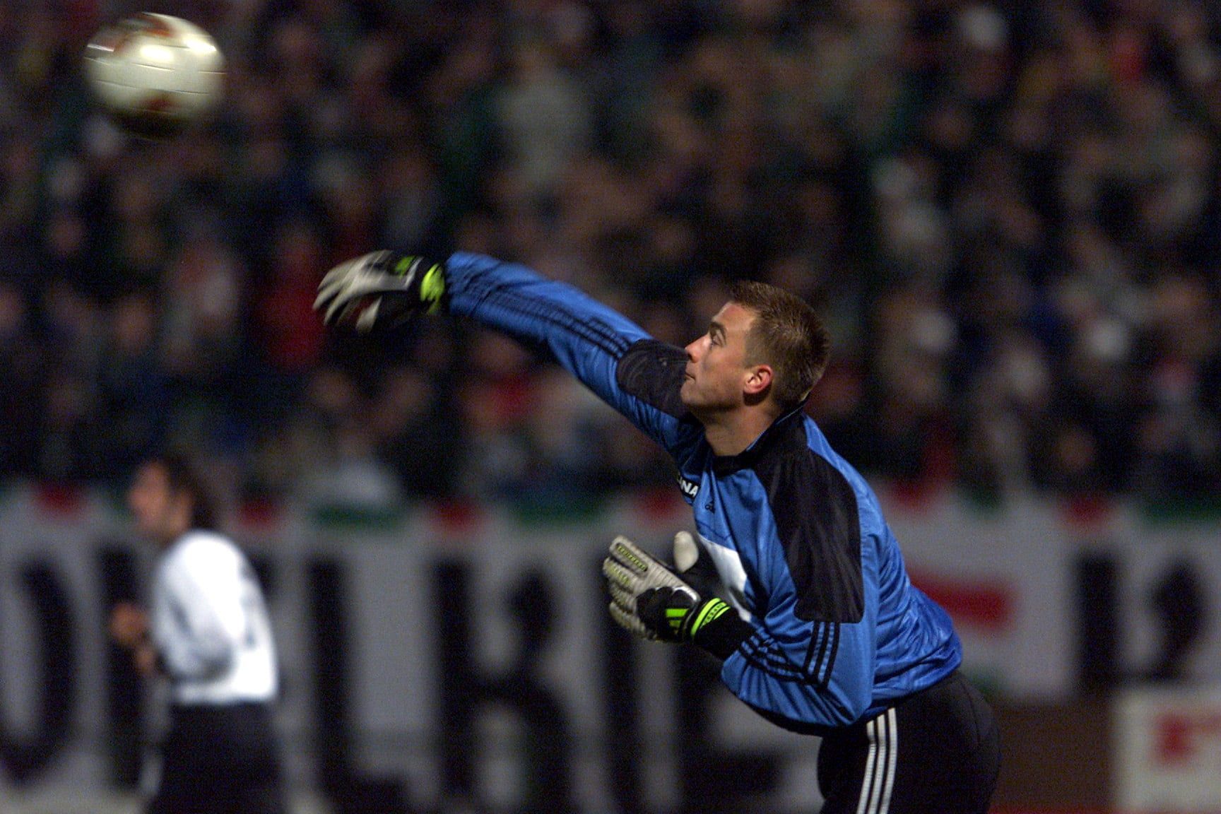 PILKA NOZNA LEGIA WARSZAWA WISLA KRAKOW WYNIK1 0 WARSZAWA 14/03/2002 ARTUR BORUC FOT. PIOTR NOWAK --- Newspix.pl *** Local Caption *** www.newspix.pl mail us: info@newspix.pl call us: 0048 022 23 22 222 --- Polish Picture Agency by Axel Springer Poland