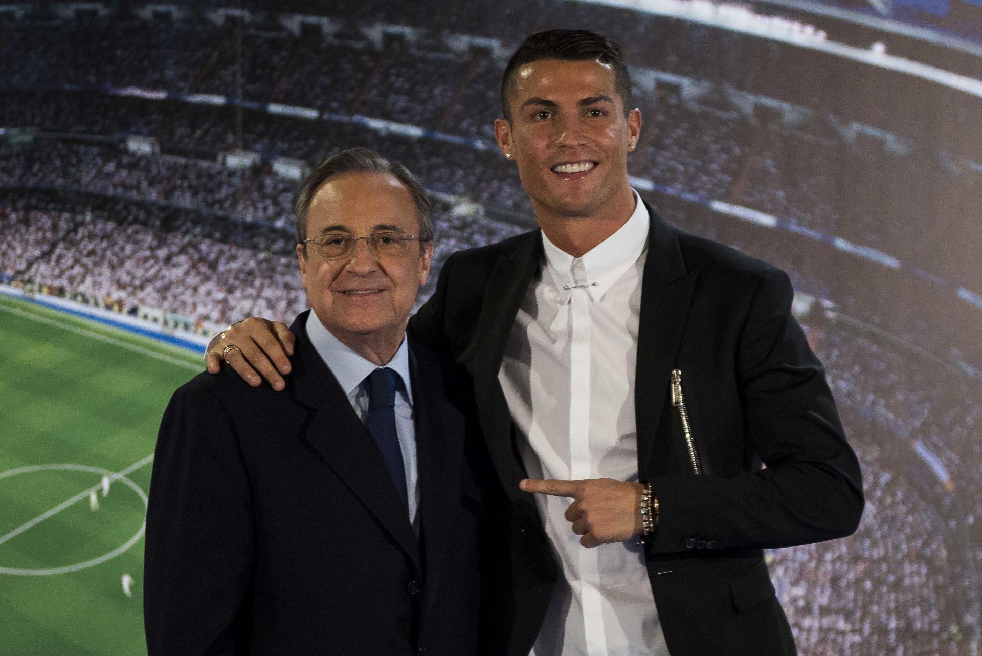 Cristiano Ronaldo Renews Contract With Real Madrid Until 2021 - Spain