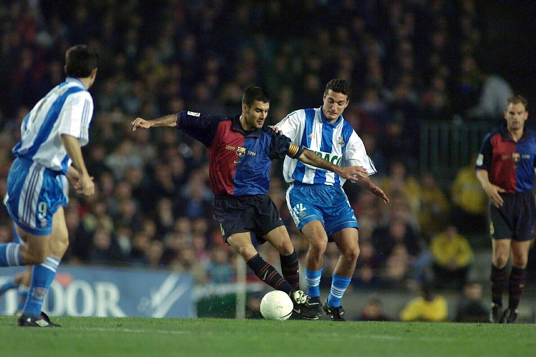 ARCHIV MATERIAL - FC BARCELONE-LA COROGNE, im Bild ARCHIV MATERIAL - CHPT D'ESPAGNE 2000, guardiola josep, scaloni lionel. EXPA Pictures © 2019, PhotoCredit: EXPA/ Pressesports/ BARDOU DANIEL *****ATTENTION - for AUT, SLO, CRO, SRB, BIH, MAZ, POL only***** FOT. EXPA / NEWSPIX.PL AUSTRIA, Italy, Spain, Slovenia, Serbia, Croatia, Germany, UK, USA and Sweden OUT! --- Newspix.pl *** Local Caption *** www.newspix.pl mail us: info@newspix.pl call us: 0048 022 23 22 222 --- Polish Picture Agency by Ringier Axel Springer Poland