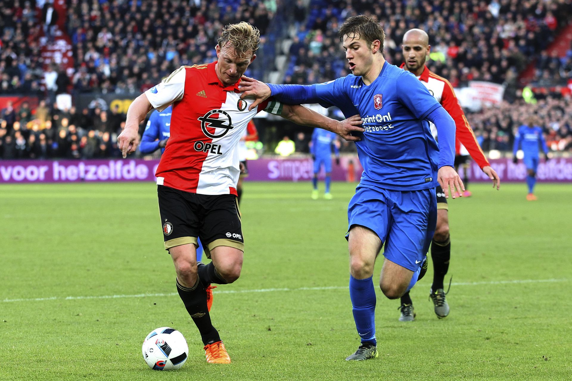 Onderwerp/Subject: Feyenoord - FC Twente - Eredivisie Reklame: Club/Team/Country: Seizoen/Season: 2015/2016 FOTO/PHOTO: Dirk KUIJT ( Dirk KUYT ) (L) of Feyenoord in duel with Joachim ANDERSEN (R) of FC Twente. (Photo by PICS UNITED) LIGA HOLENDERSKA PILKA NOZNA SEZON 2015/2016 FOT.PIXATHLON/NEWSPIX.PL POLAND ONLY!!! --- Newspix.pl *** Local Caption *** www.newspix.pl mail us: info@newspix.pl call us: 0048 022 23 22 222 --- Polish Picture Agency by Ringier Axel Springer Poland
