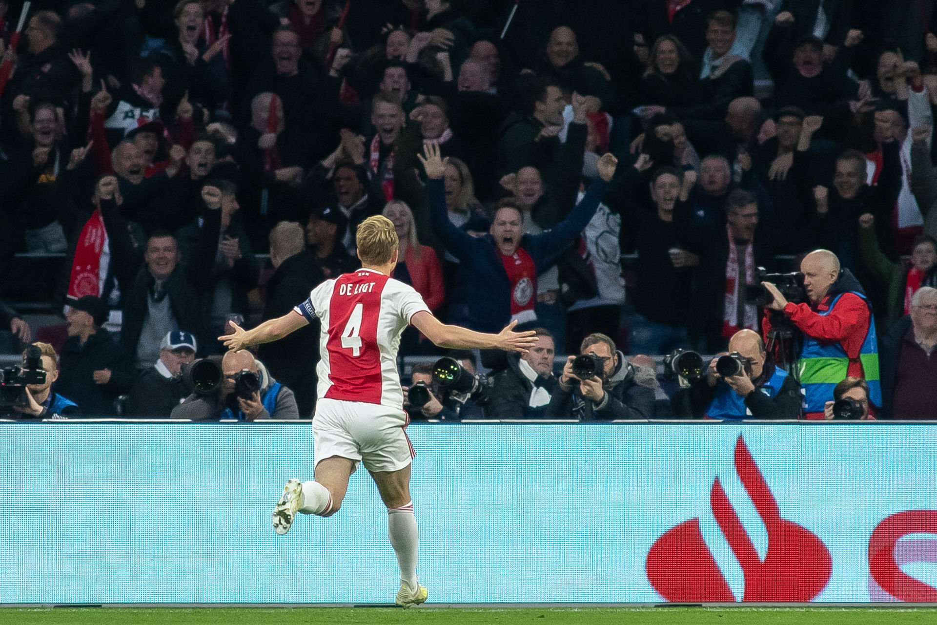 08.05.2019, Amsterdam Arena, Amsterdam, NED, UEFA CL, Ajax Amsterdam vs Tottenham Hotspur, Halbfinale, Rüclspiel, im Bild Matthijs de Ligt of Ajax Amsterdam celebrates scoring their first goal // Matthijs de Ligt of Ajax Amsterdam celebrates scoring their first goal during the UEFA Champions League halffinals, 2nd leg match between Ajax Amsterdam and Tottenham Hotspur at the Amsterdam Arena in Amsterdam, Netherlands on 2019/05/08. EXPA Pictures © 2019, PhotoCredit: EXPA/ Focus Images/ Sjoerd Tullenaar *****ATTENTION - for AUT, GER, FRA, ITA, SUI, POL, CRO, SLO only***** PILKA NOZNA SEZON 2018/2019 LIGA MISTRZOW FOT.EXPA/NEWSPIX.PL Austria, Italy, Spain, Slovenia, Serbia, Croatia, Germany, UK, USA and Sweden OUT! --- Newspix.pl *** Local Caption *** www.newspix.pl mail us: info@newspix.pl call us: 0048 022 23 22 222 --- Polish Picture Agency by Ringier Axel Springer Poland