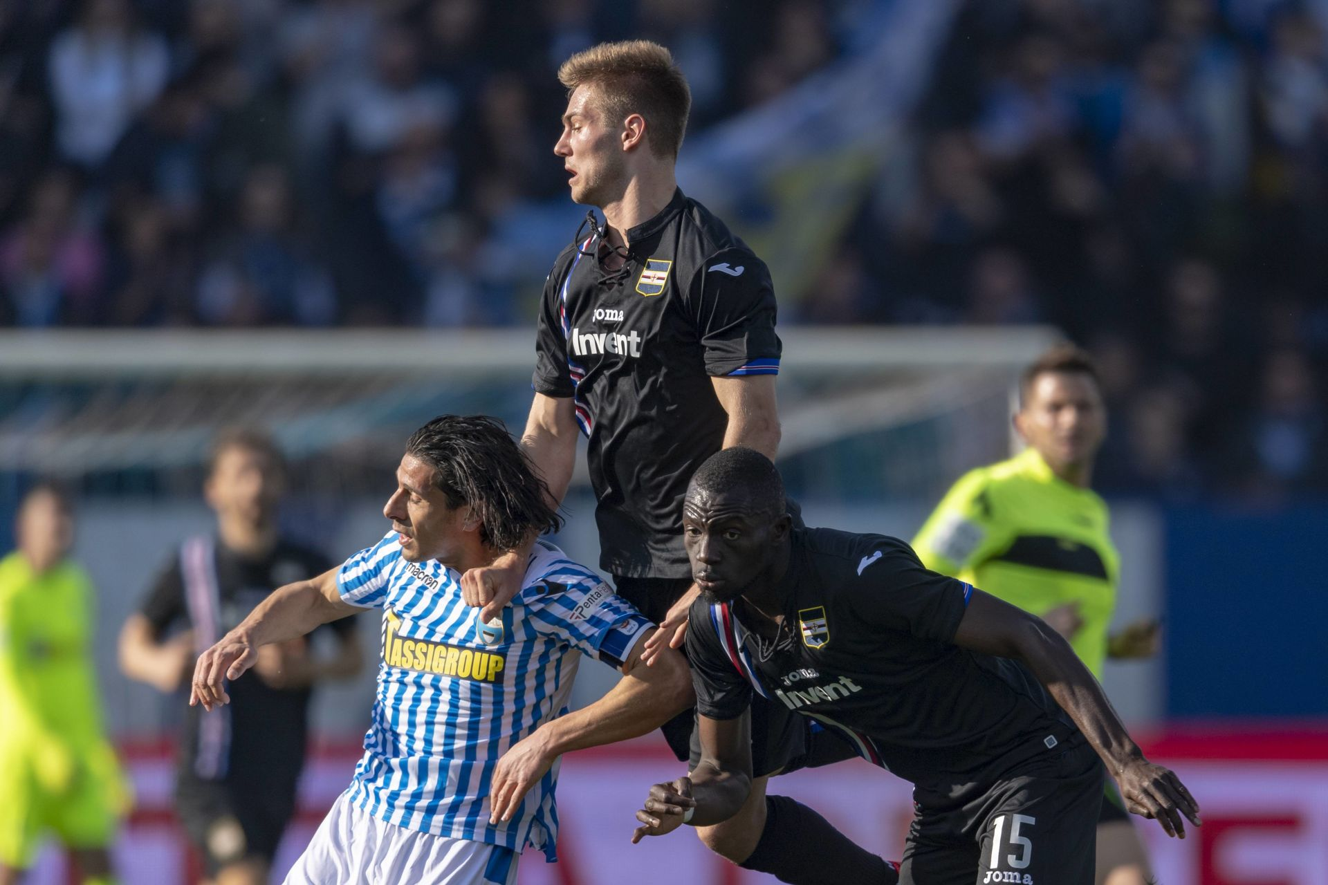 "Joachim Andersen (Sampdoria) Sergio Floccari (Spal) Omar Colley (Sampdoria) during the Italian ""Serie A"" match between Spal 1-2 Sampdoria at Paolo Mazza Stadium on March 03 , 2019 in Ferrara, Italy. (Photo by Maurizio Borsari/AFLO) LIGA WLOSKA PILKA NOZNA SEZON 2018/2019 FOT. AFLO/NEWSPIX.PL POLAND ONLY! --- Newspix.pl *** Local Caption *** www.newspix.pl mail us: info@newspix.pl call us: 0048 022 23 22 222 --- Polish Picture Agency by Ringier Axel Springer Poland"