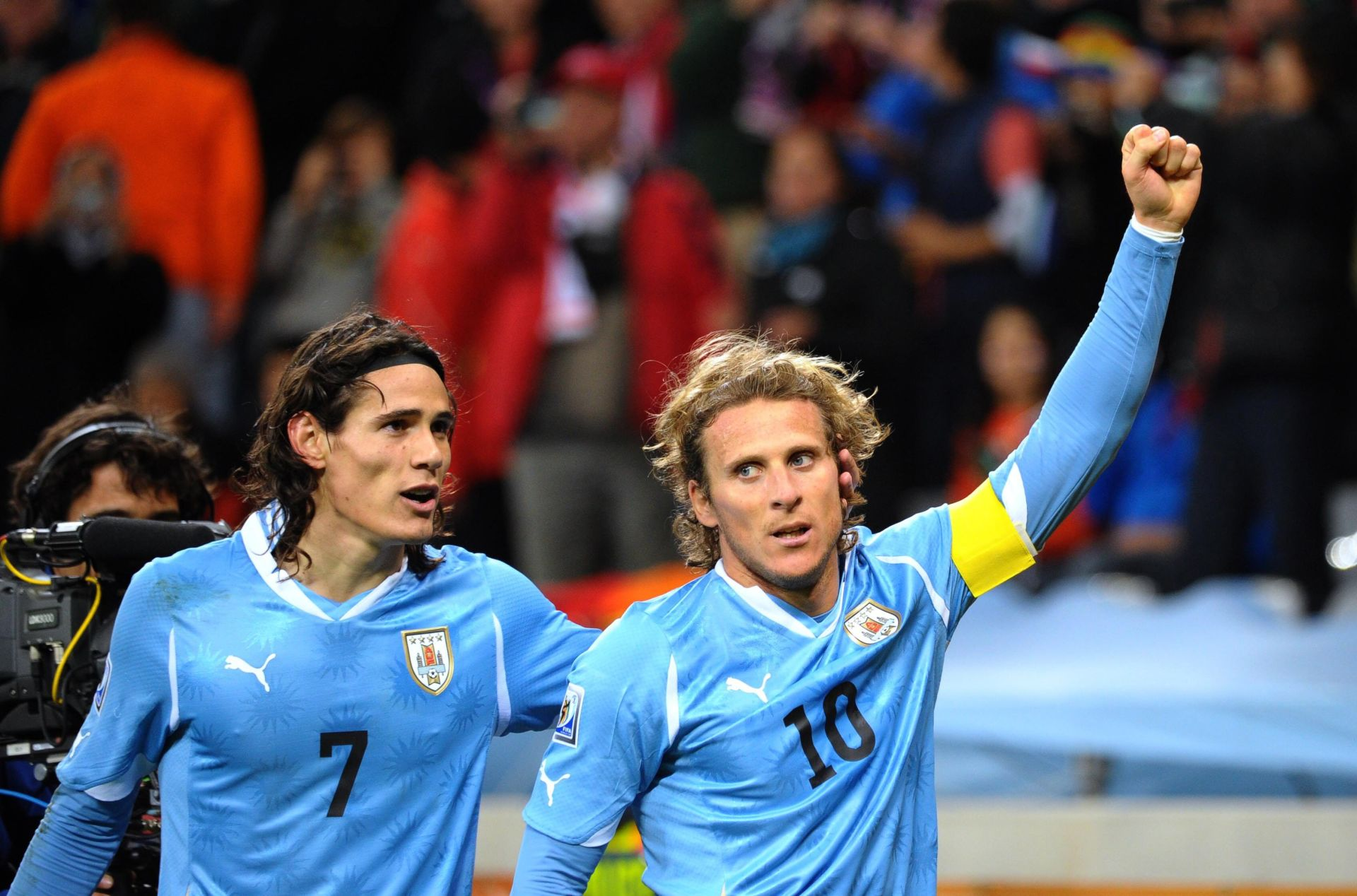 1/2 finale cavani (edinson) forlan (diego) 06.07.2010 RPA FIFA WORLD CUP MISTRZOSTWA SWIATA RPA 2010 MUNDIAL POLFINAL PILKA NOZNA HOLANDIA vs URUGWAJ FOT. PRESSE SPORTS/NEWSPIX.PL POLAND ONLY !!! --- Newspix.pl *** Local Caption *** www.newspix.pl mail us: info@newspix.pl call us: 0048 022 23 22 222 --- Polish Picture Agency by Axel Springer Poland