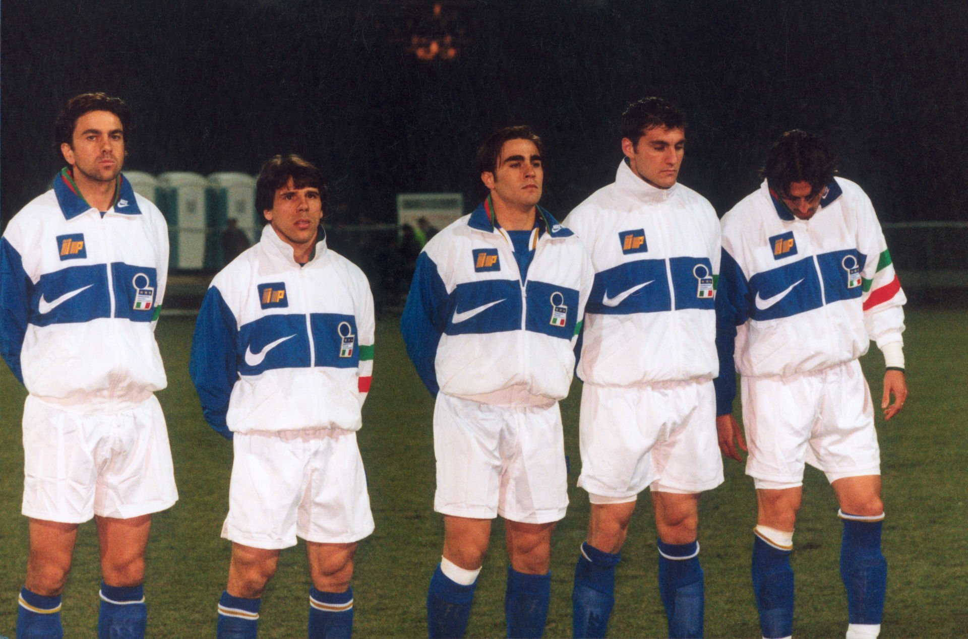 Polska - Wlochy 0:0 (Chorzow, 02.04.1997). Od lewej: COSTACURTA ALESSANDRO, ZOLA GIANFRANCO, CANNAVARO FABIO, VIERI CHRISTIAN, BAGGIO DINO - pilkarz reprezentant Wloch. Pilka nozna. Fot. Jacek Koziol/Agencja Przeglad Sportowy --- Newspix.pl *** Local Caption *** www.newspix.pl mail us: info@newspix.pl call us: 0048 022 23 22 222 --- Polish Picture Agency by Axel Springer Poland