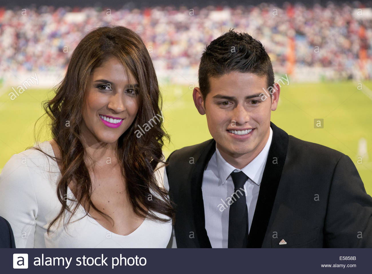 madrid-spain-22nd-july-2014-james-rodriguez-and-his-wife-daniela-ospina-E5858B.jpg